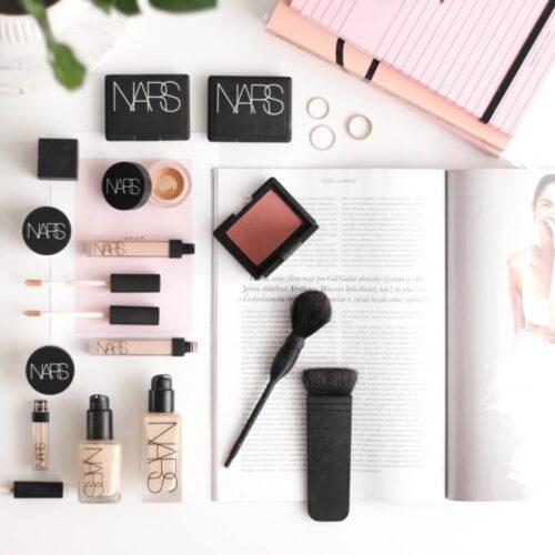NARS makeupy All Day Luminous & Sheer Glow    Recenze + Round Up